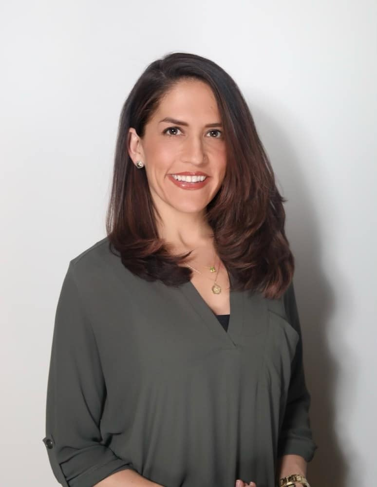 Dr. Ashley Frank-Clinical Psychologist in Glen Ellyn, IL